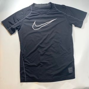 Nike | Dry Fit Fitted Black Large Short Sleeve